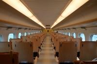 800系新幹線つばめ車内150211