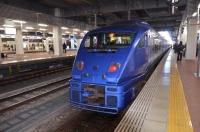 883系ソニック博多駅到着150213