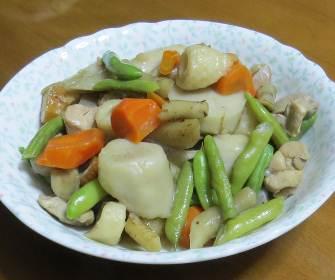 サトイモとインゲン煮物
