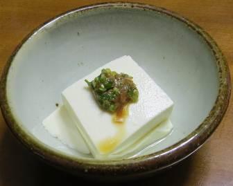 アサツキの薬味と冷奴豆腐