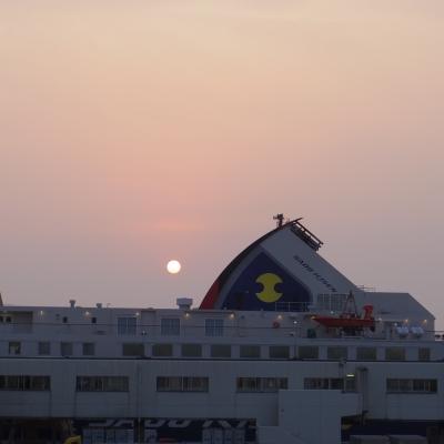 2015-06-14-1830-niigata-port.jpg