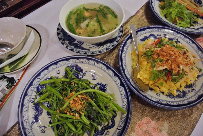 ダナン旅行記 その3 ナイト・ホイアン散策ツアー サクラレストラン 料理2