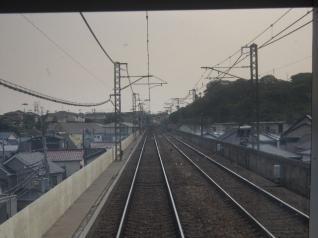 京急久里浜線車窓
