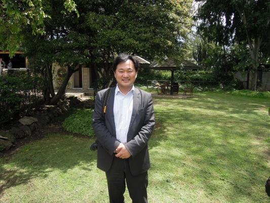 Dr_-Masahide-Kanayama.jpg