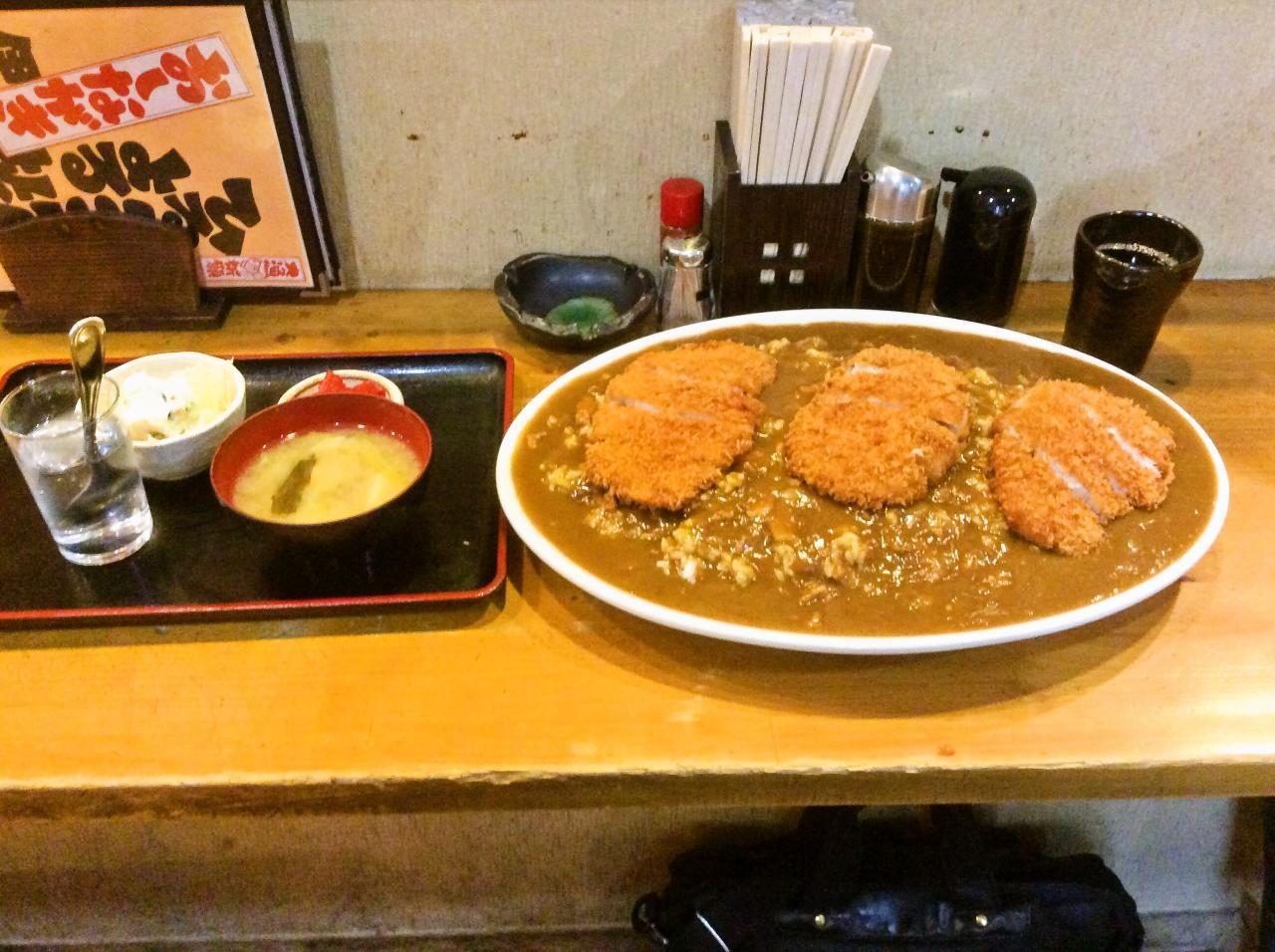 伊東食堂(超特大カツカレー)