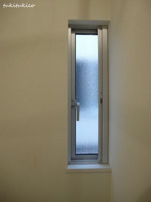 玄関の小窓2