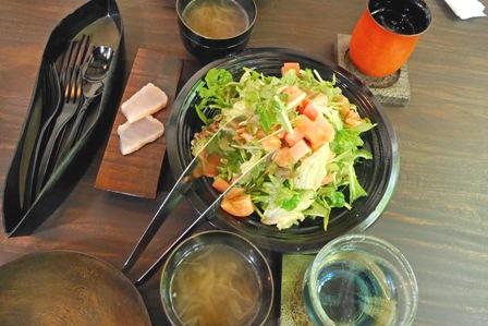 サラダ、スープ、ワインP1010454