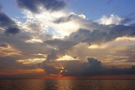 積乱雲と夕陽②2015-06-01-19-07=P1030875