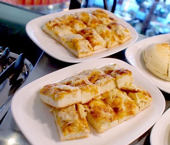 テリヤキチキンのピザパン01@Sheraton Grande Tokyo Bay Hotel tostina 2015年03月