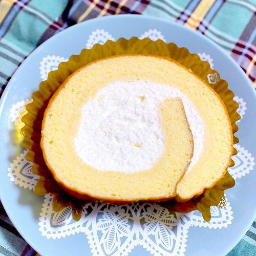 たっぷりクリーム至福のロールケーキ02@セブンイレブン 2015年04月