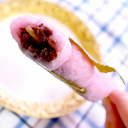 持って食べられる桜もち串05@FamilyMart