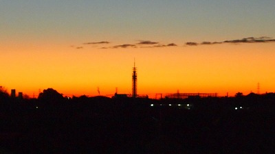 2014年12月14日(日)午前6時の西空