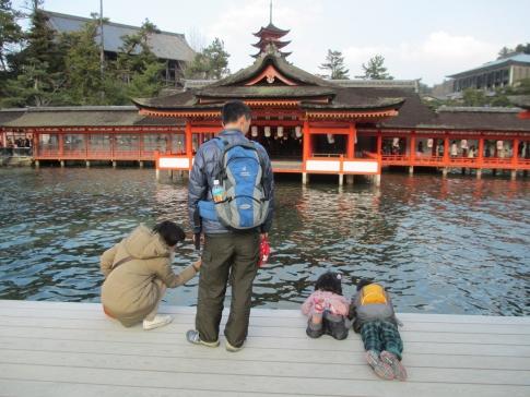 chocoちゃん家族と弥山へ 024
