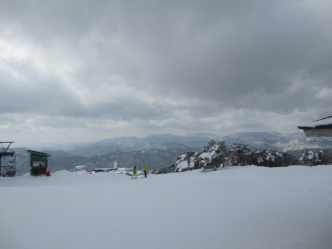 道後山スノーハイキング 沈 010
