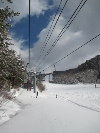 道後山スノーハイキング 沈 002