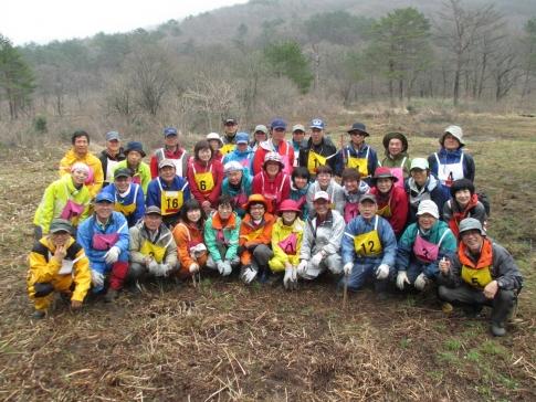 霧ガ谷湿原再生活動ボランテイア 2 004