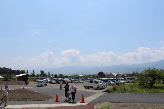 完熟農園 駐車場