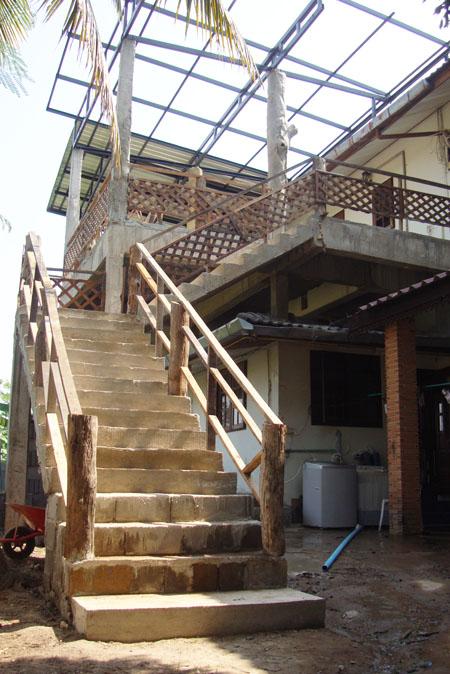 2階への階段・・・