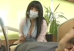 【歯科助手痴女】 治療中で身動きが…