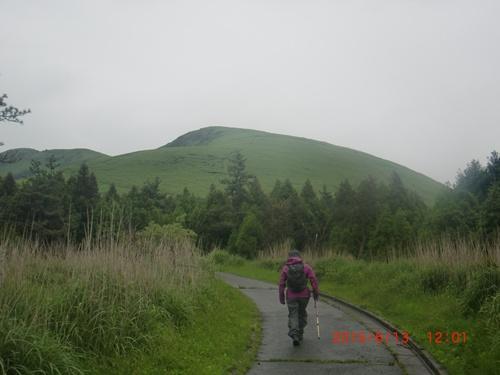 005 杵島岳へ