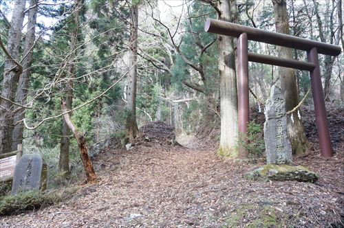 黒前神社入口