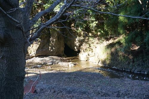 諏訪の水穴