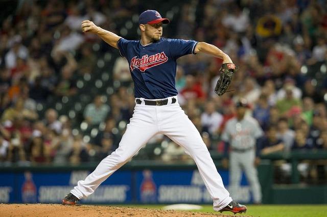 Ryan Raburn pitching