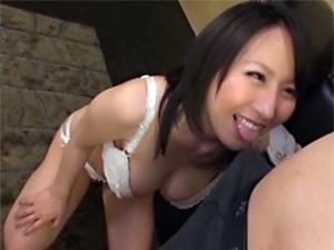 【前田優希】ムッチリ巨乳お姉さんのエロすぎノーハンドフェラチオ