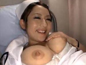 【音羽レオン】エッチな巨乳ナースと病院内でペロペロパコパコ!みんなでSEXして膣穴にザーメンを注ぎます!