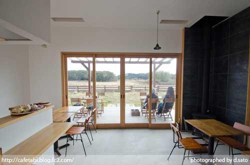 千葉県 いすみ市 長者町 カフェ green+ グリーンプラス 里山カフェ コーヒー マクロビオティック 自然派 暖炉 おしゃれ空間 35