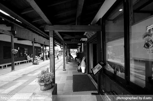 モノクロ写真展 長野県 飯山市 仏壇通り 街並み 白黒写真 街歩き 観光写真 03
