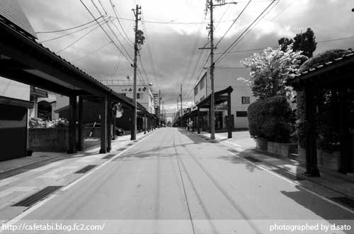 モノクロ写真展 長野県 飯山市 仏壇通り 街並み 白黒写真 街歩き 観光写真 04