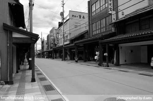 モノクロ写真展 長野県 飯山市 仏壇通り 街並み 白黒写真 街歩き 観光写真 07