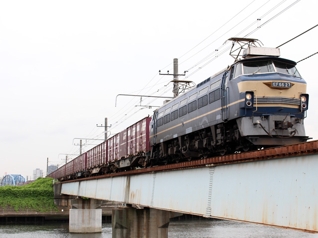 EF6627_turumigawa_150630.jpg