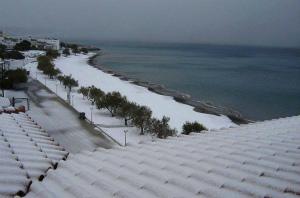 10606357_1619765091579919_クレタ島 イエラペトラの近くのビーチ