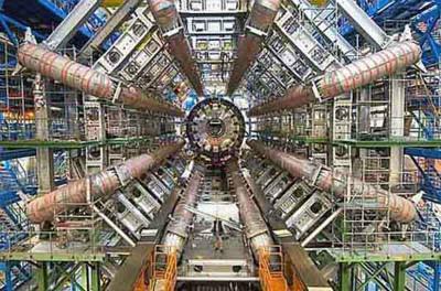 LHC(大型ハドロン衝突型加速器)