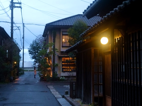 北浜alley