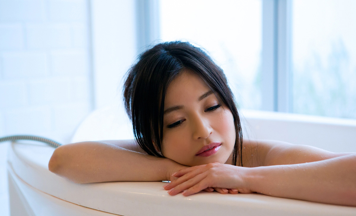 【No.22520】 アンニュイ / 新山沙弥