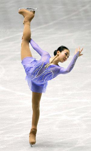 Mao-Asada-Figure-Skater-Skating-Claire-Du-Lune-2008-purple58.jpg