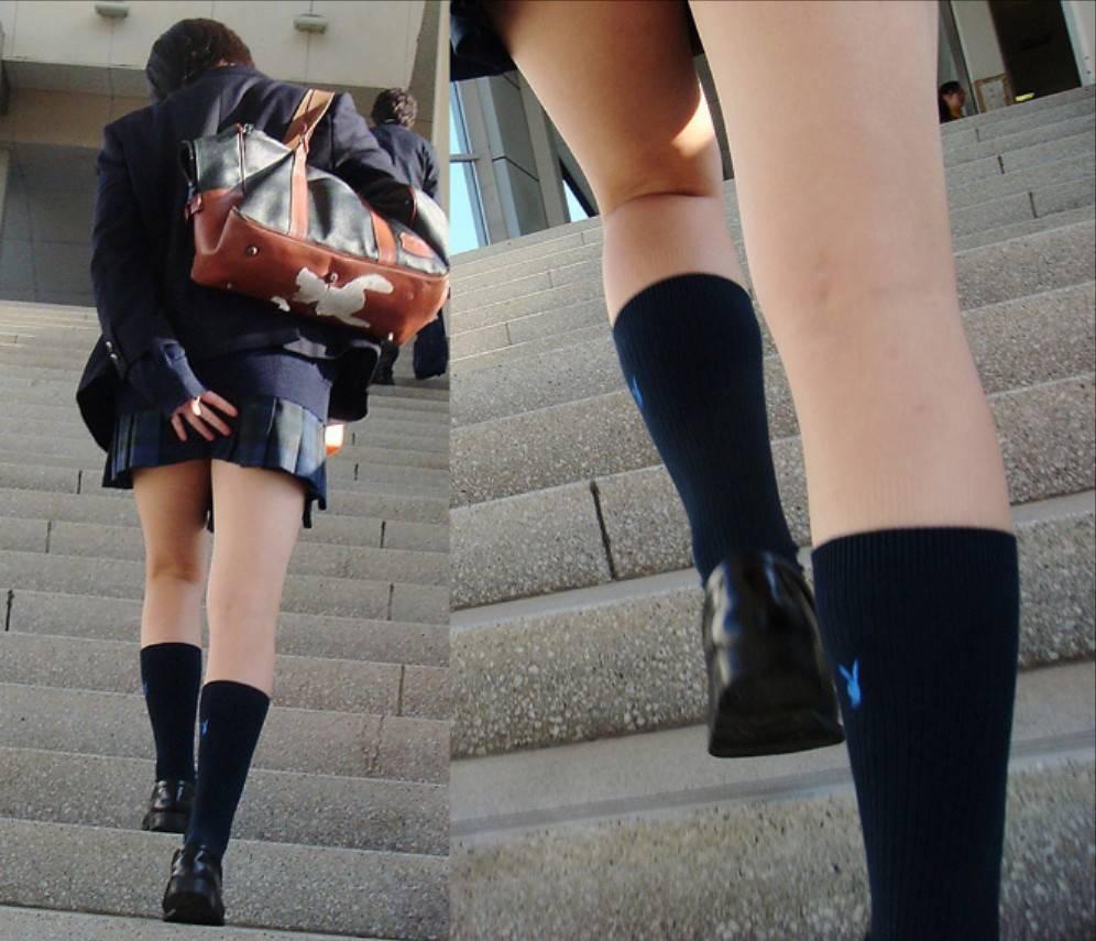 スカートおさえる6
