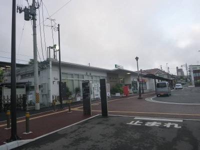 朝の塩釜駅