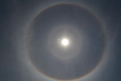 【沖縄】八重山で日暈…太陽に二重のリング