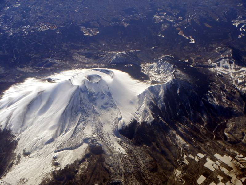 「浅間山」の火山活動が活発化…この5日間で火山性地震「380回」を超え、火山ガスは「1900トン」