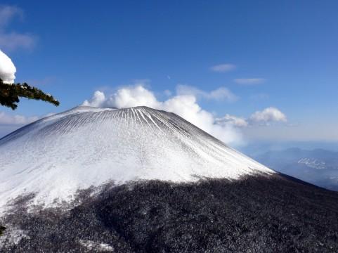 【浅間山】火山性地震、火山ガスの量が増加…噴火警戒レベル「2」へ引き上げ