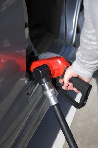 【東京都】災害時の燃料「備蓄ない」…ガソリンなど