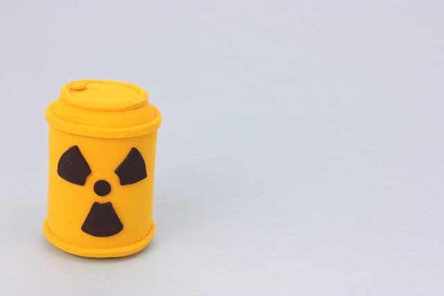 ストロンチウムなどのベータ線を出す放射性物質が2兆2000億ベクレル港湾に流出