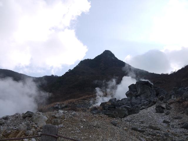 【箱根山】大涌谷の噴気が弱まる…教授「噴火の可能性は低くなっているのではないか」