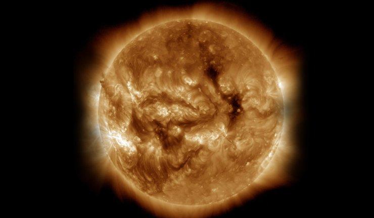 天文学者「太陽は瞬間的大爆発により、自らの命を終える」