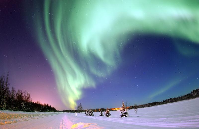 【太陽フレア】強烈な磁気嵐発生…北海道でもオーロラ、11年ぶり