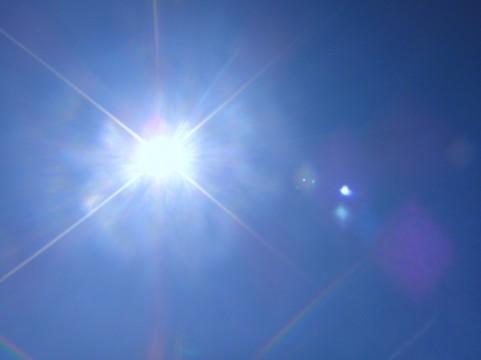 【気温45度】パキスタンで記録的な熱波…断食の時と重なり、700人が犠牲に